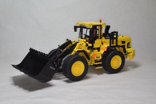 Lego Technic Volvo L120H Front Loader